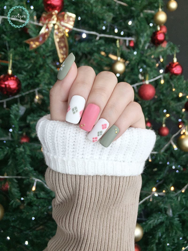 Christmas Dress Pattern Nails