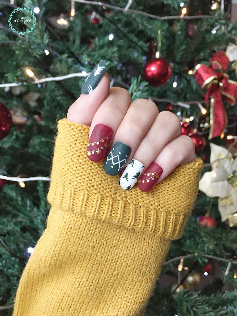 Green & Red Christmas Nails