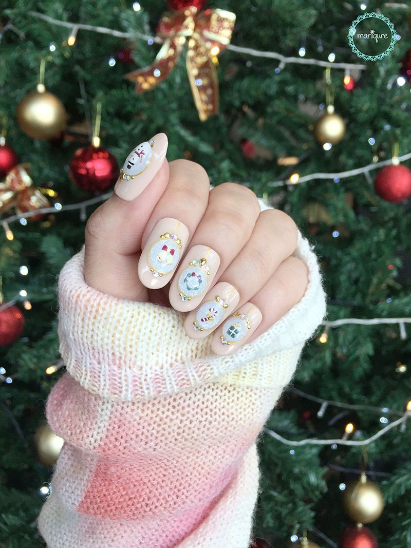 Magical Christmas Nails