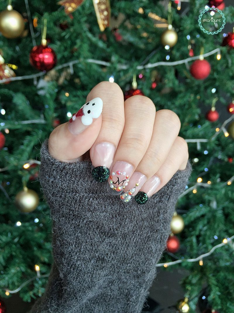 White Bear Christmas Nails