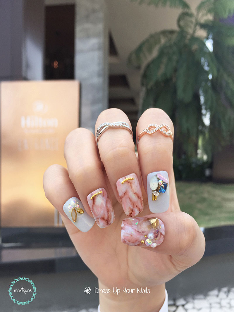 Fantasy Brown Marble Nails