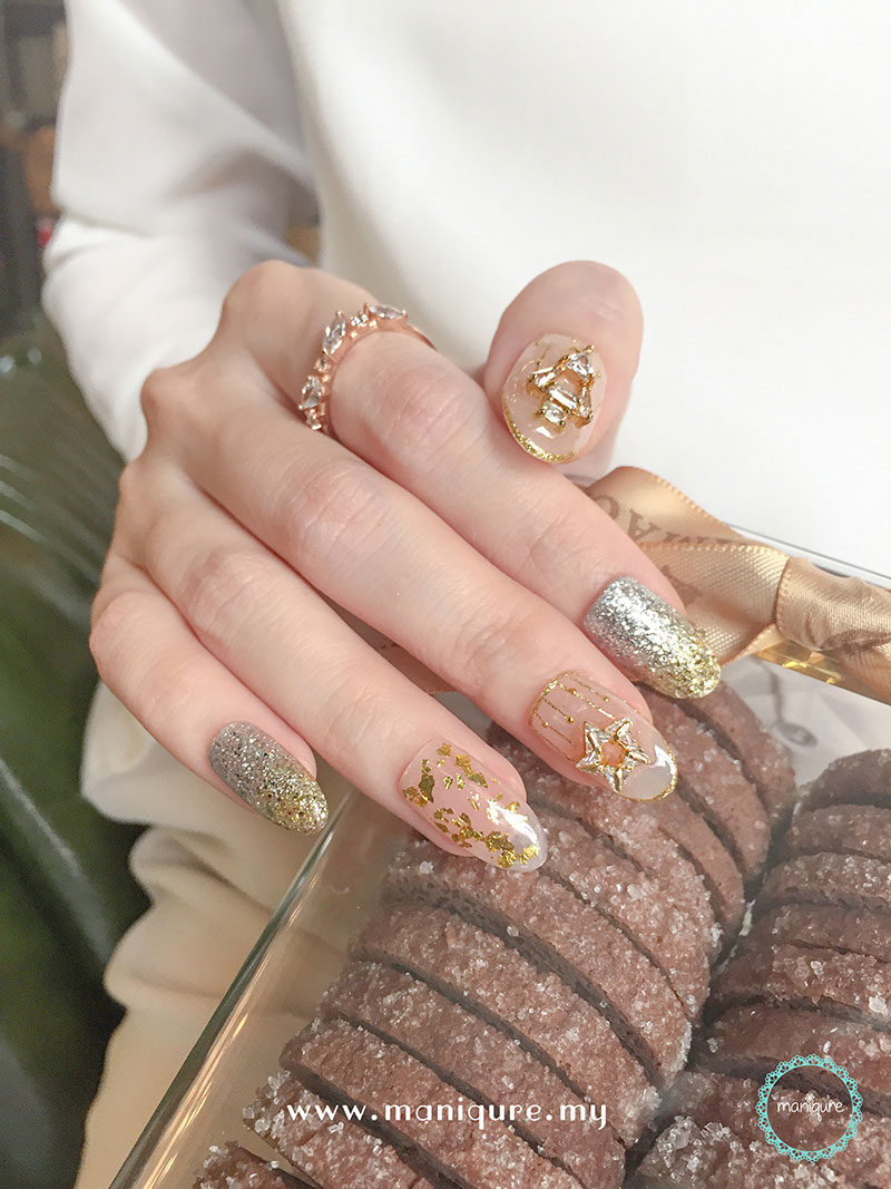 Christmas Nails - Festival Manicure 10