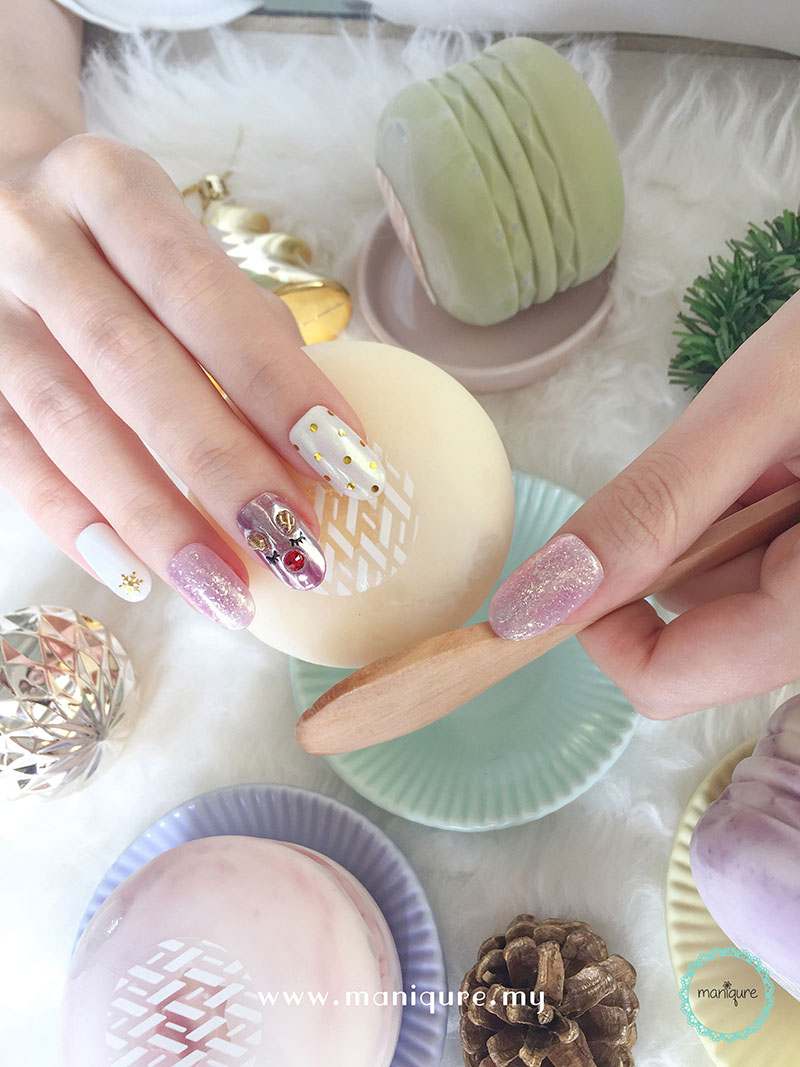 Christmas Nails - Festival Manicure 5