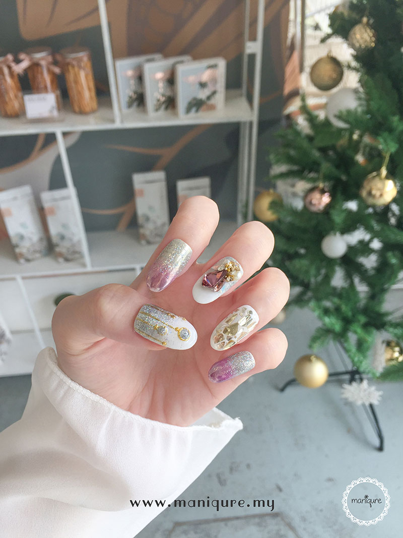 Christmas Nails - Festival Manicure 6