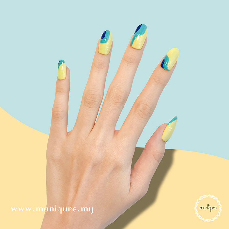 Graphic Fountain Blue Yellow Nails