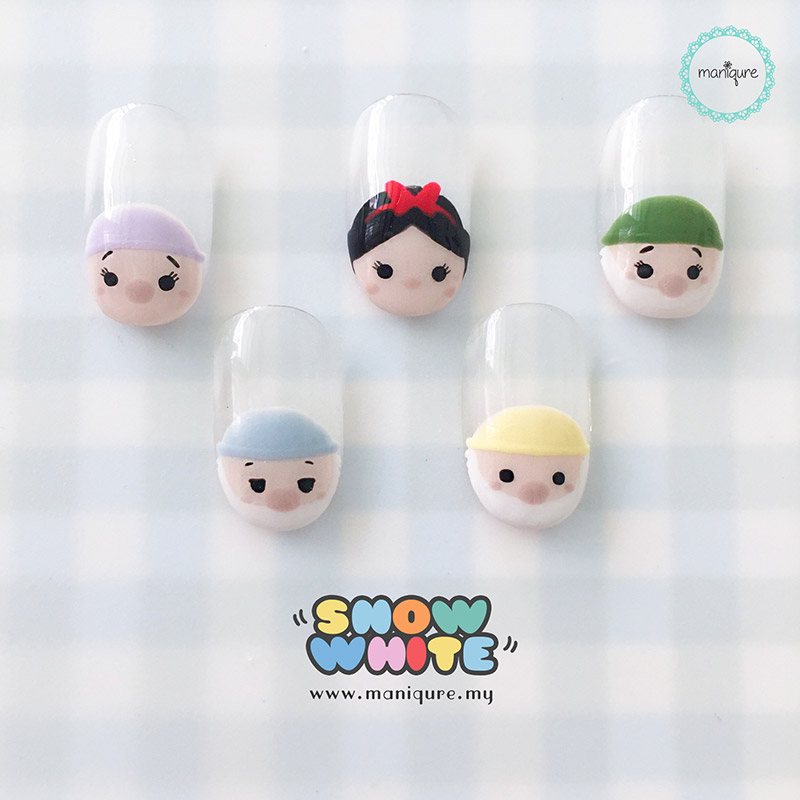 Snow White Tsum Tsum Nails
